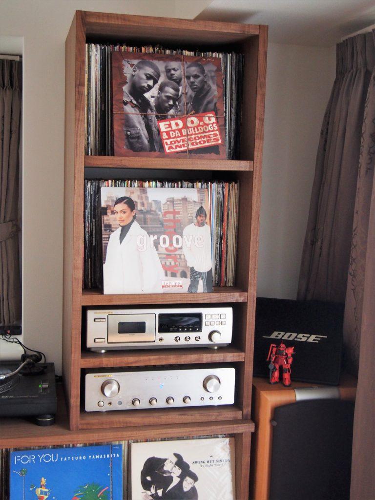 レコードラックの写真
