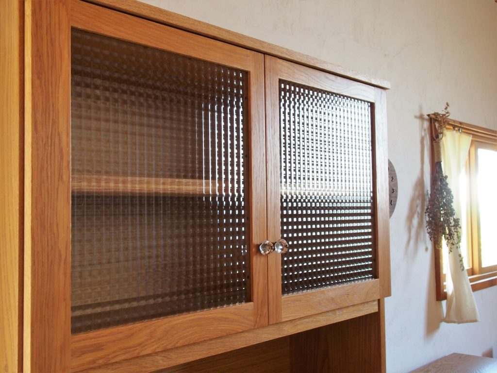 L字食器棚の写真