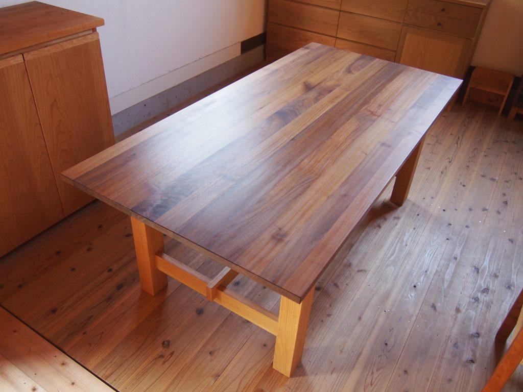 ダイニングテーブル8の写真