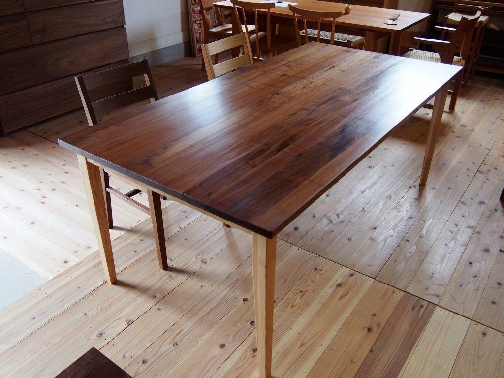 ダイニングテーブル6の写真